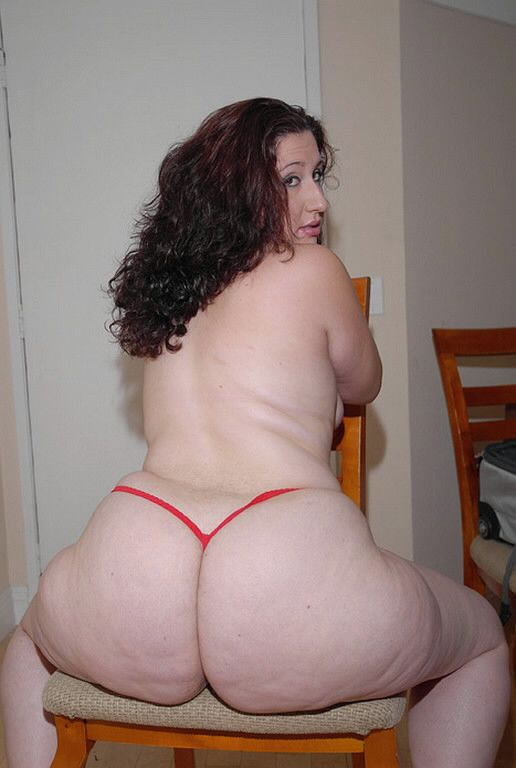 Thick ass chubby white girl naked