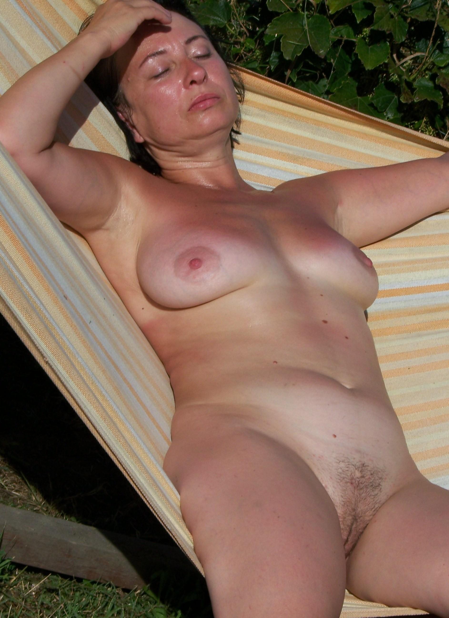 Handjobs mature women outdoors