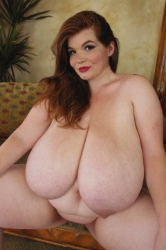 Peyton thomas divine breasts