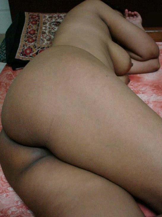 Desi sleeping nude photo