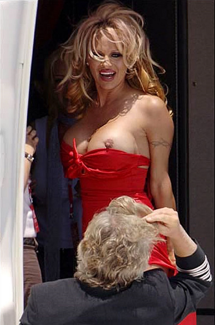 Anderson big naked boobs