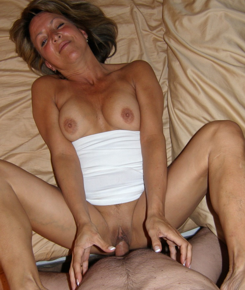 Nude selfies mature wife sex