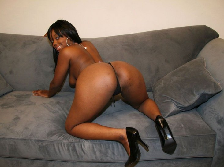 All black women naked ass sex pic