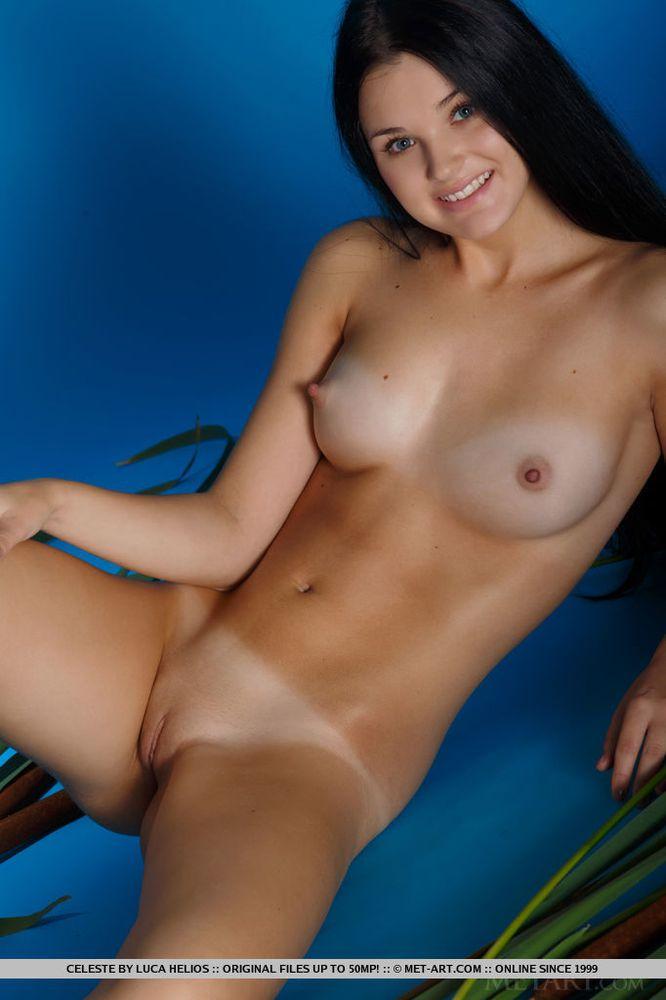 Dark hair women nude