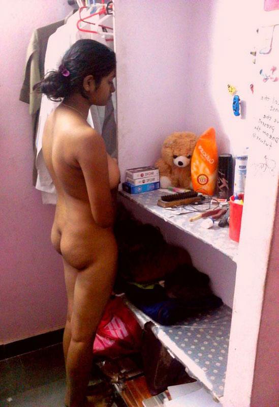 Desi tight naked girl