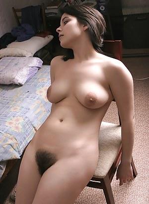 Women nude hairy pussy