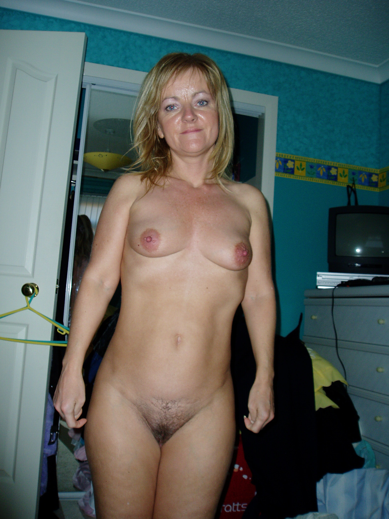 Pics mature naked amateur Restricted