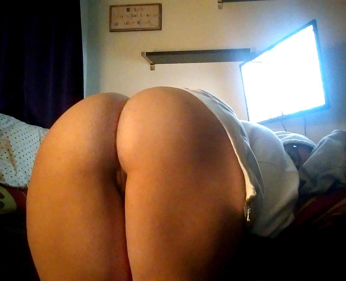 Big ass bending down pussy