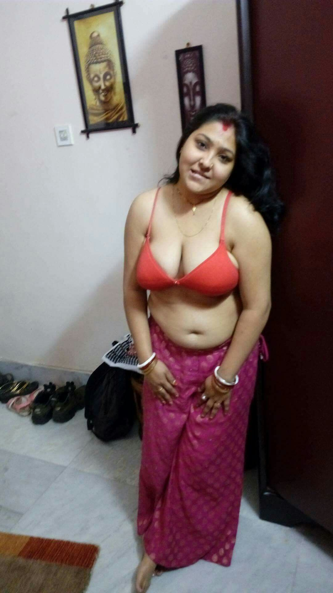 Indian desi girl aunty hot