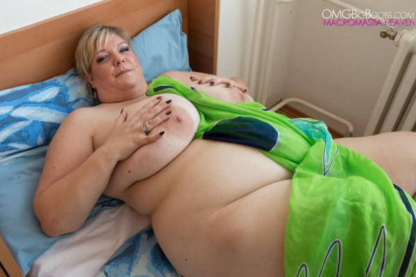 Bbw boobs mature naked