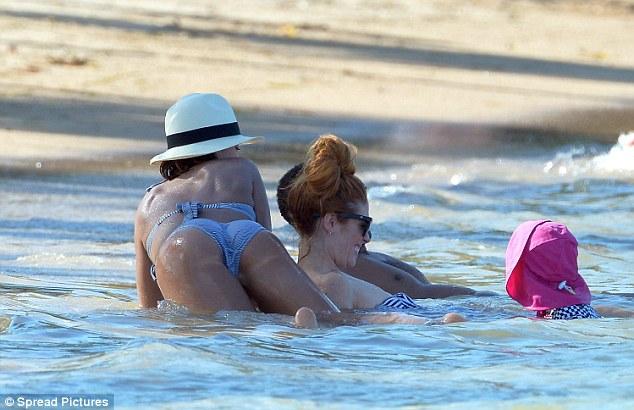 Jessica alba bikini bent over