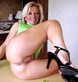 Sex mature pussy milf