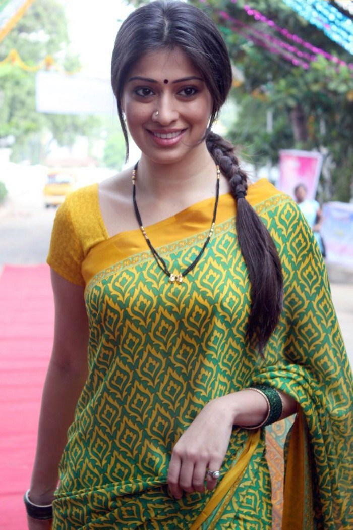 Tamil ki hot aunty full hd photo