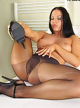 Nude high definition pantyhose