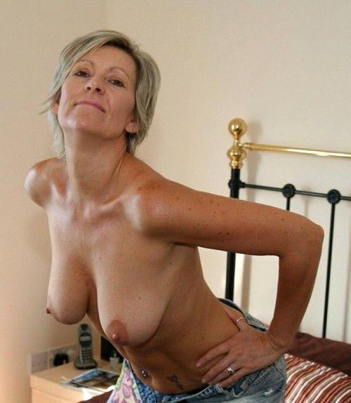 Amateur nude mature women