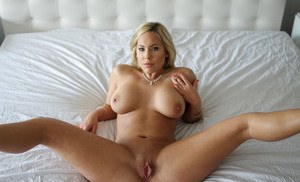 Naked amateur wife threesome