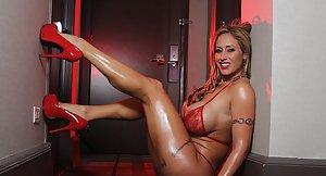 Women naked showing pussy spread leg uganda