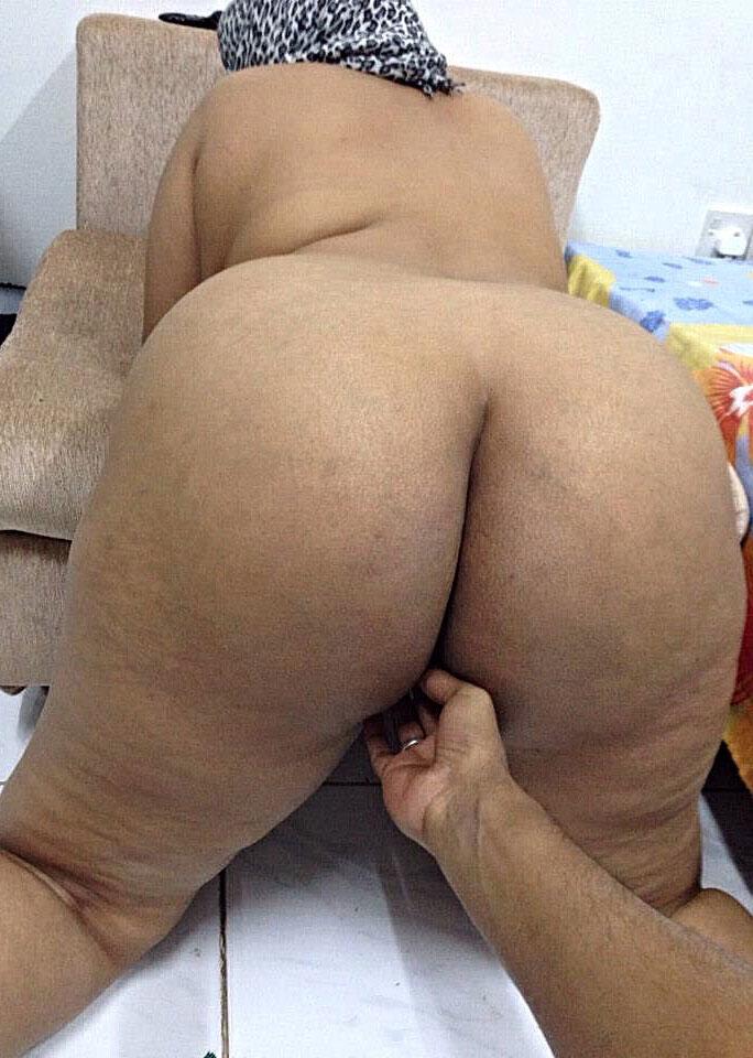 Desi big ass aunties showing