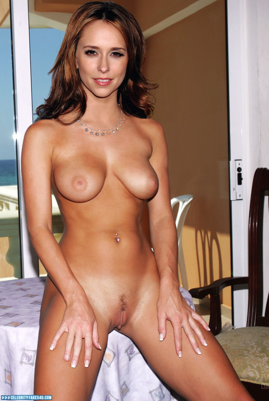 Jennifer love hewitt fake nudes
