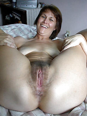 Mature hairy naked lady porn