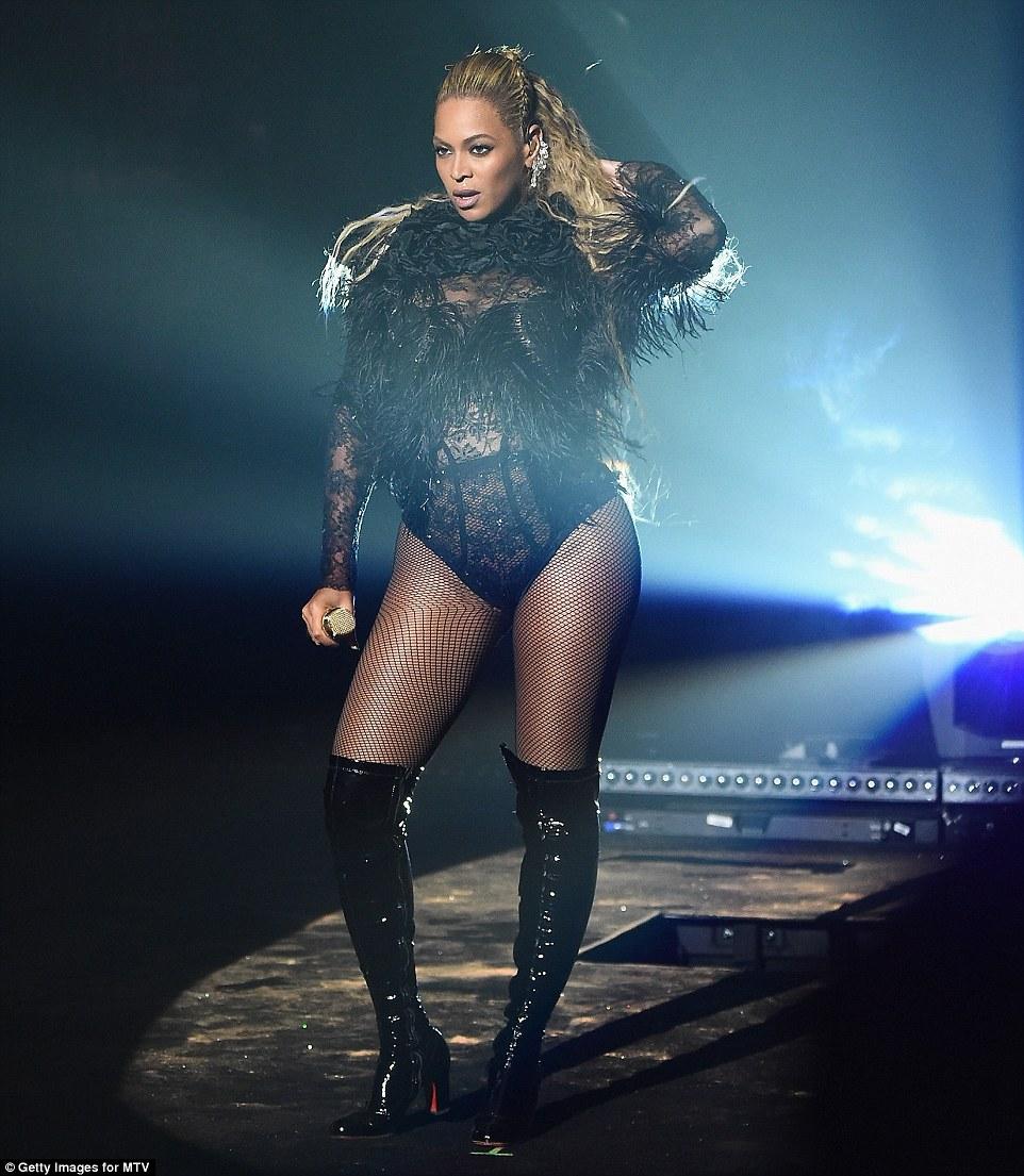 Beyonce mtv awards ass