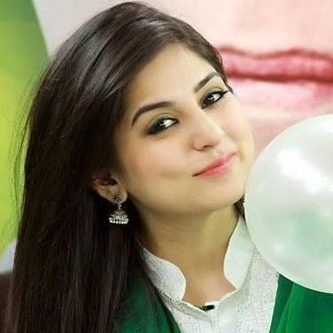 Pakistani actress sanam baloch boob cleavage pics