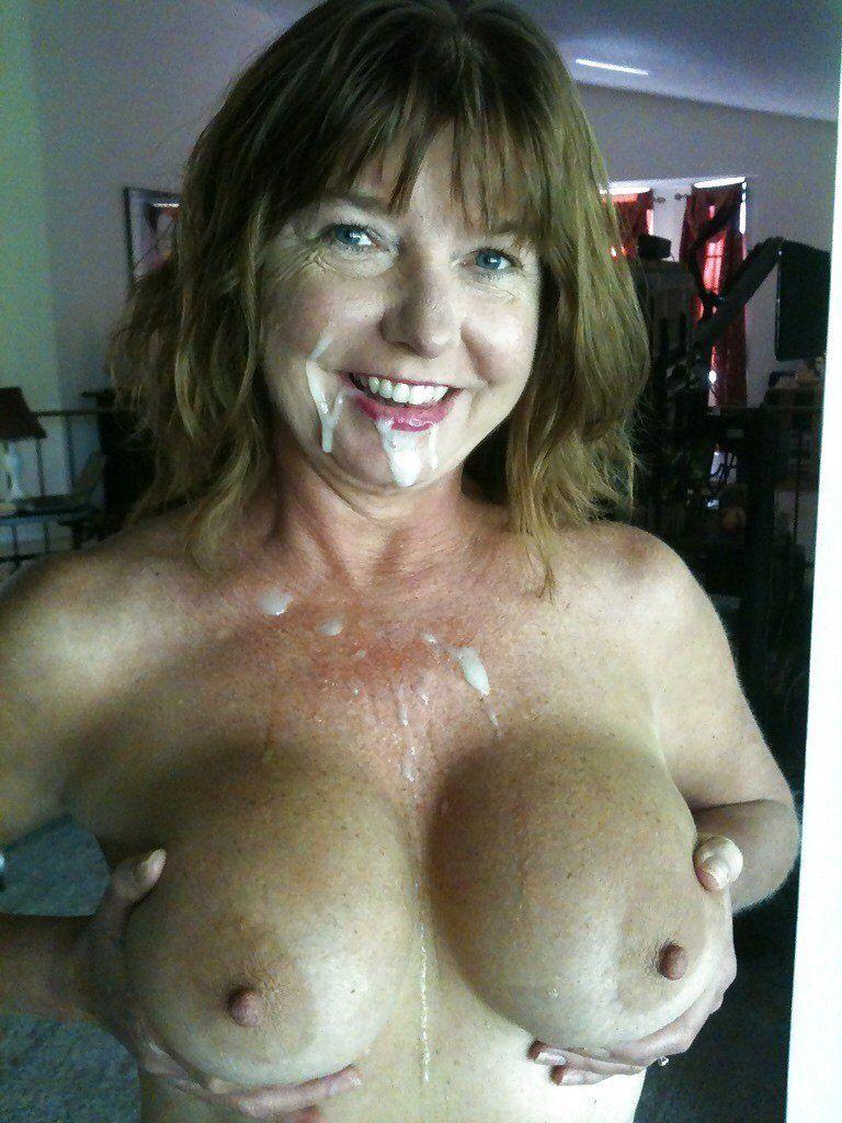 Mature amateur wife cum on tits