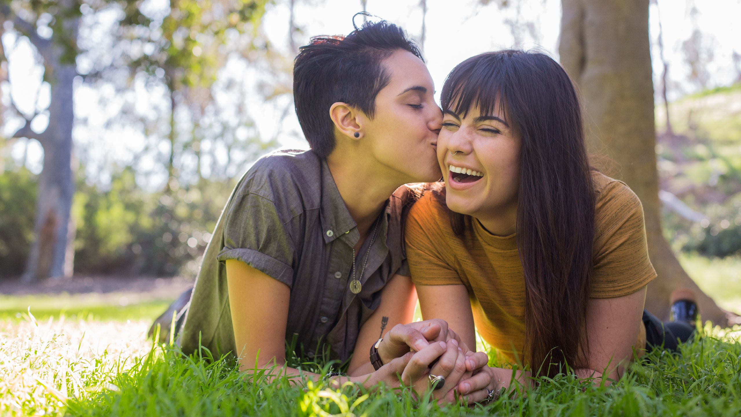 Lesbian girls want sex for older women
