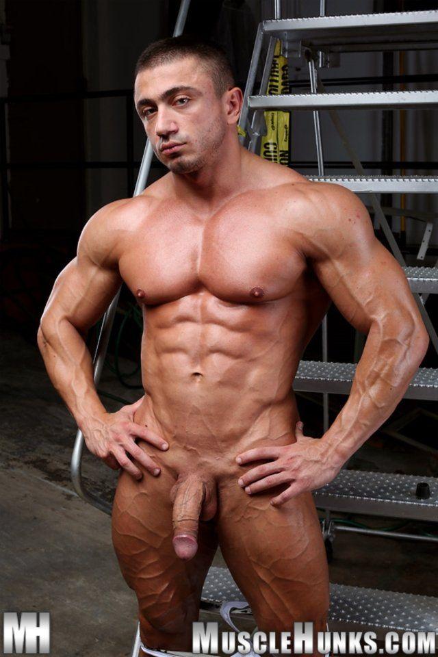 Muscle men nude free video