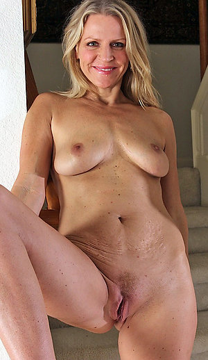 Mature nude hot women sexy