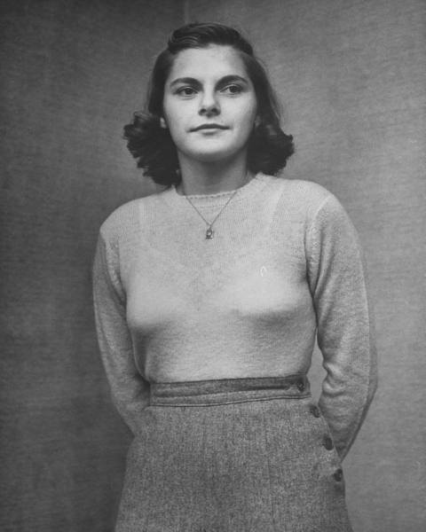 Teen girls tight sweaters