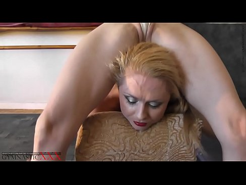 Nude contortionist blowjob and fuck pic