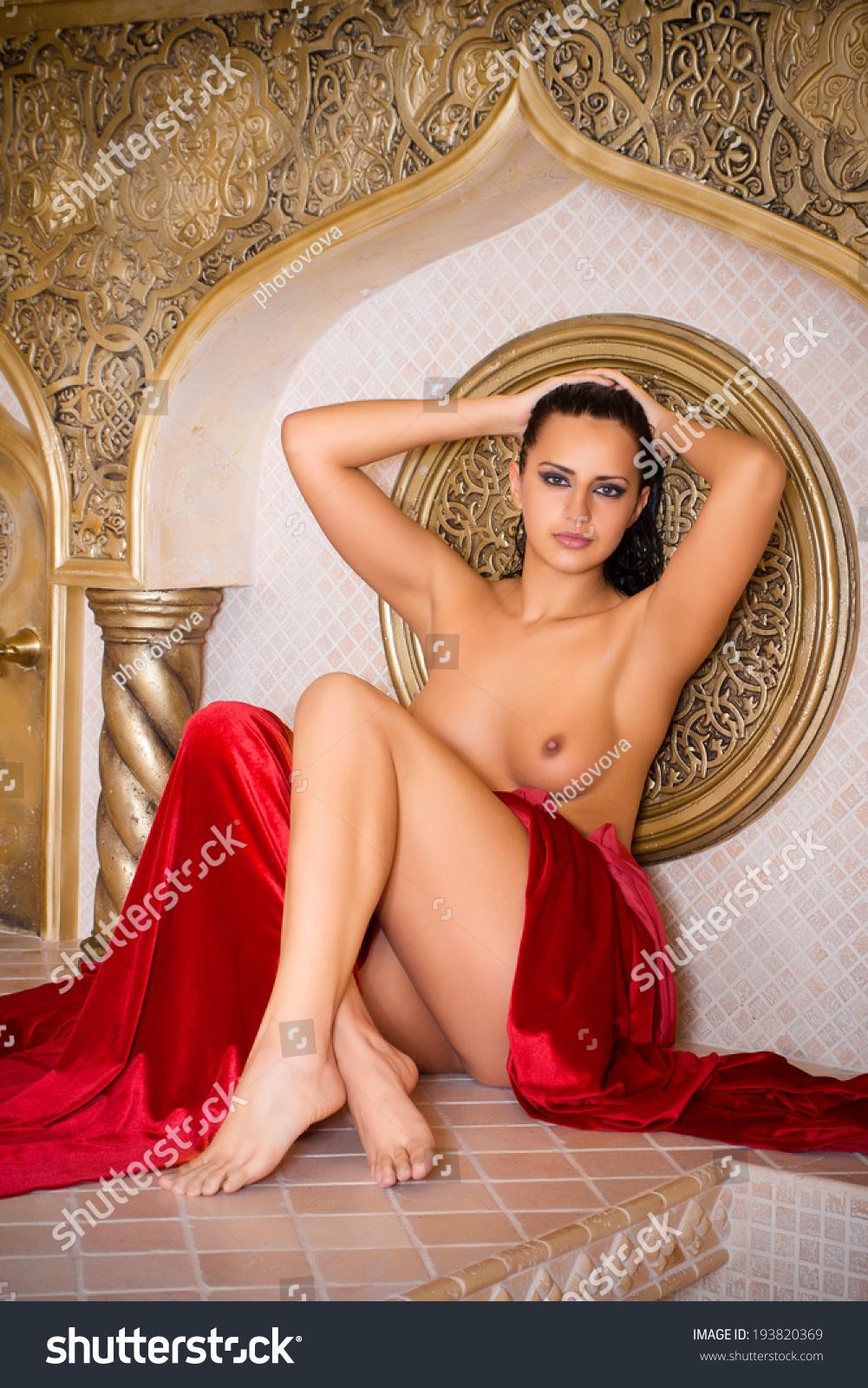 Turki grils wallpeper naked