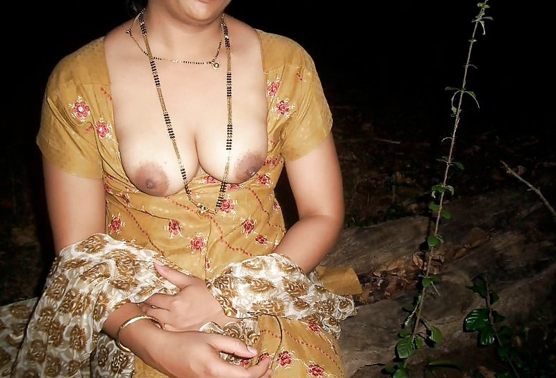 Desi outdoor naked xxx photos