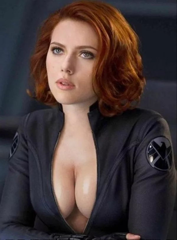 Hollywood actress with big nipples