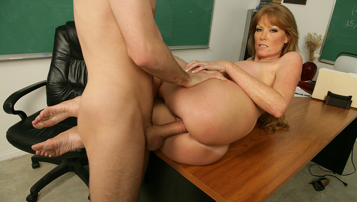 Darla crane big ass and tits teacher