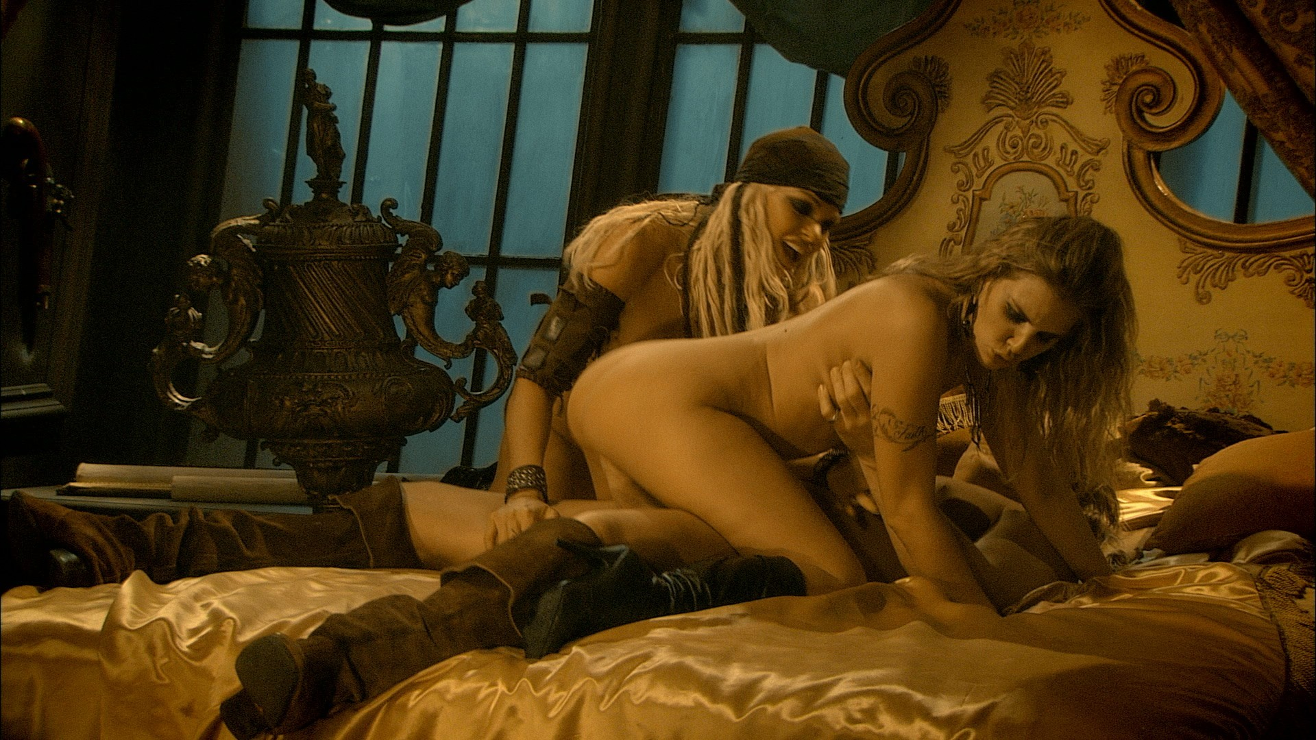 Porn actress. pirates fakes pics
