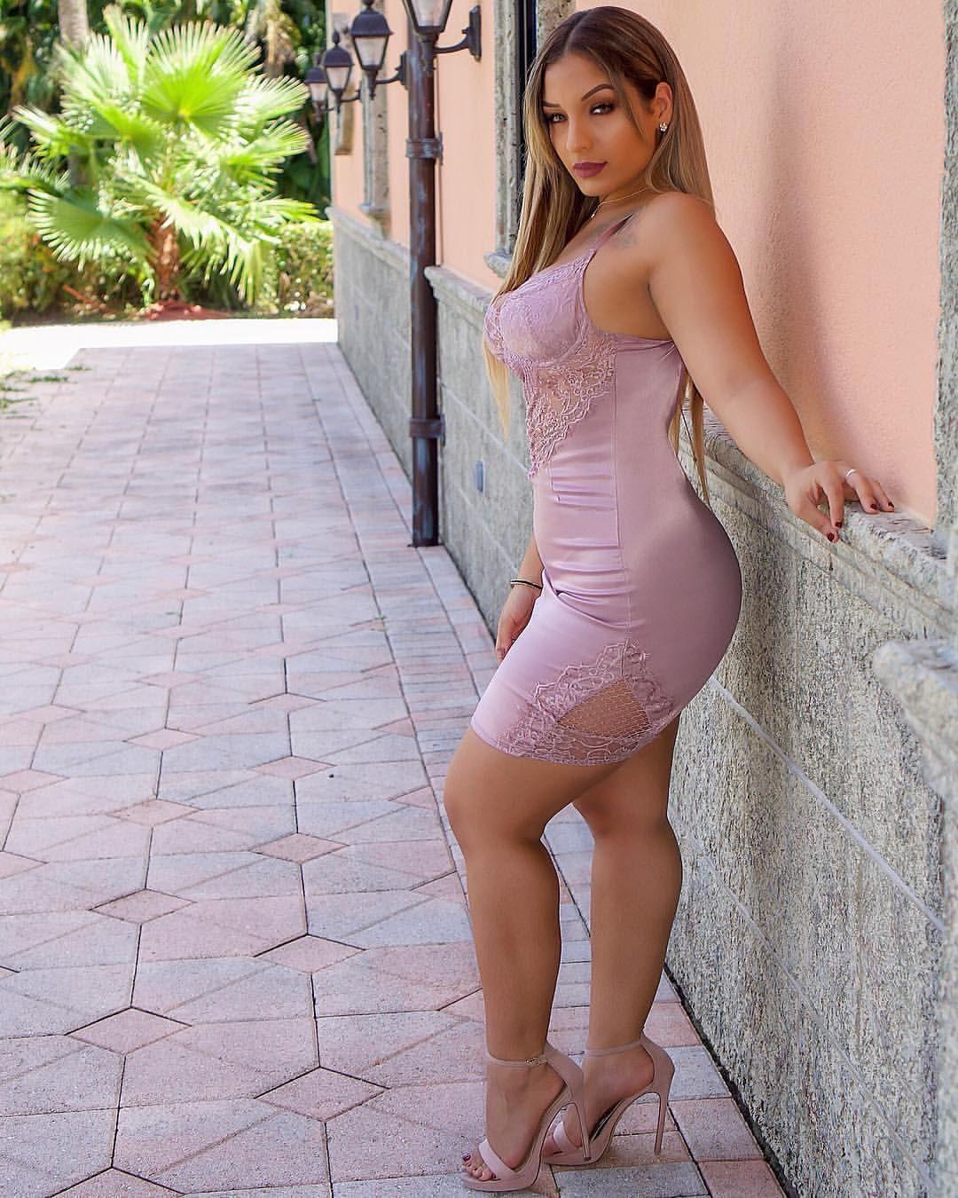 Big ass and feet women