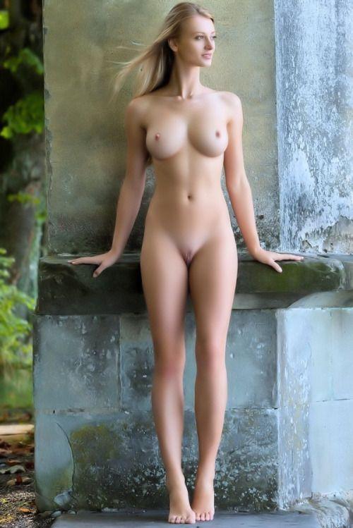 Tall leggy blonde nude women