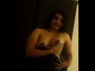 Indian hot aunty remove saree images