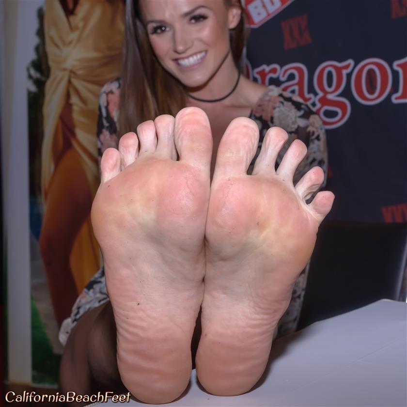 Nude black women dirty feet soles