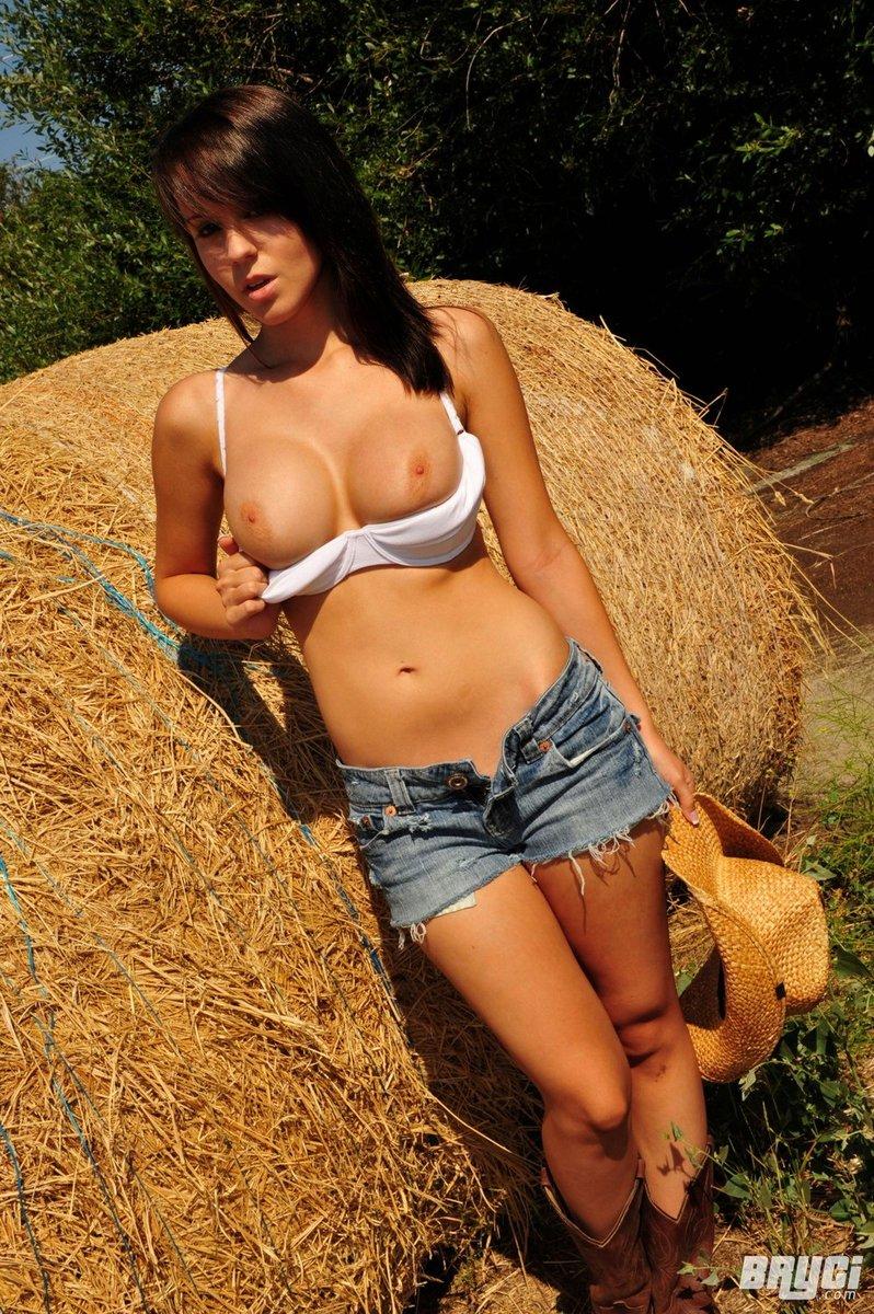 Naked country girl models