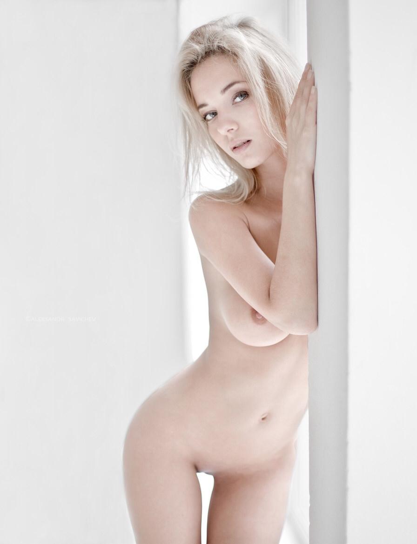 Slim sexy hot naked girls
