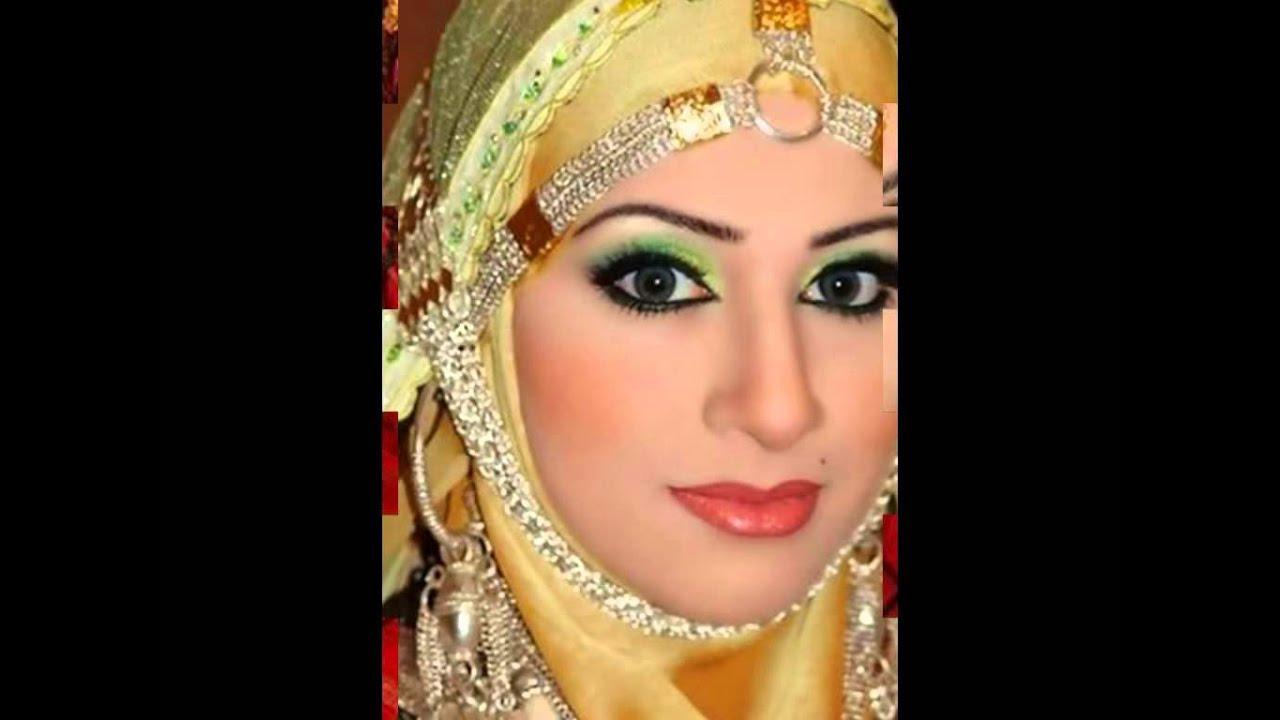Wanita arab gendut jongkok bugil