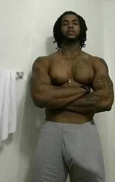 Big dick black men with bulges