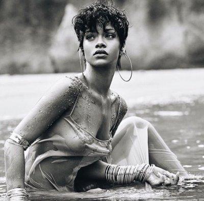 Rihanna on cover of vogue brazil